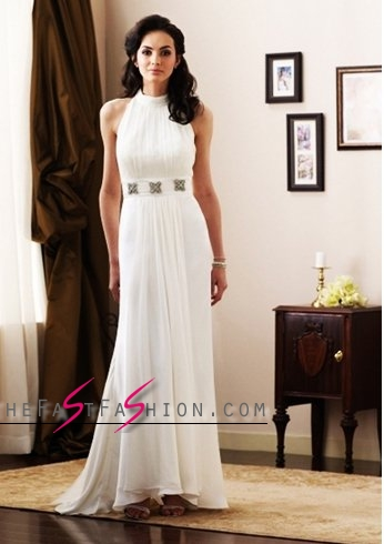 white-dress-for-christmas-party