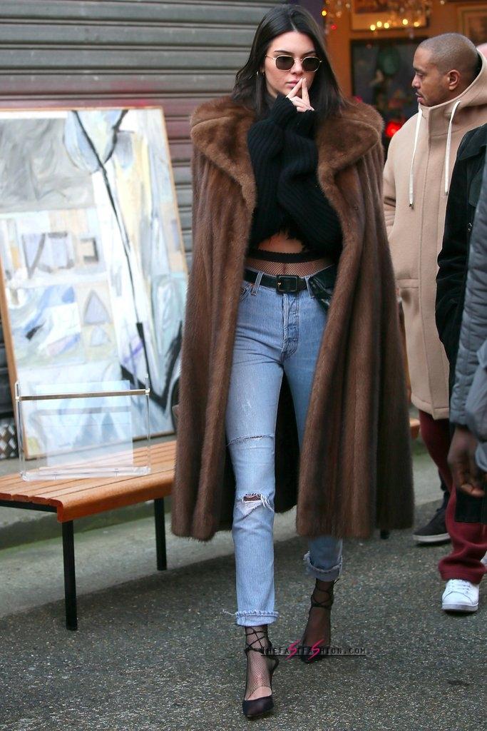 Kendall-Jenner-Jeans-Fishnet-Tights-Paris-Jan-2017