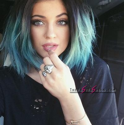 kylie-jenner-wearing-colored-contact-lenses-solotica-billionairebeauties-1_large