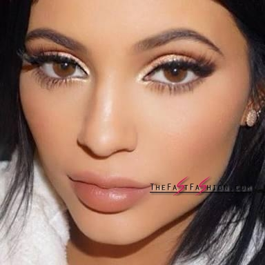 kylie-jenner-wearing-colored-contact-lenses-solotica-billionairebeauties-hidrocor-what-colour-1115_large
