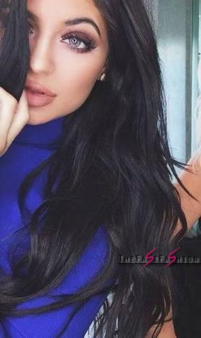 kylie-jenner-wearing-colored-contact-lenses-solotica-billionairebeauties-hidrocor-what-colour-38483939_large