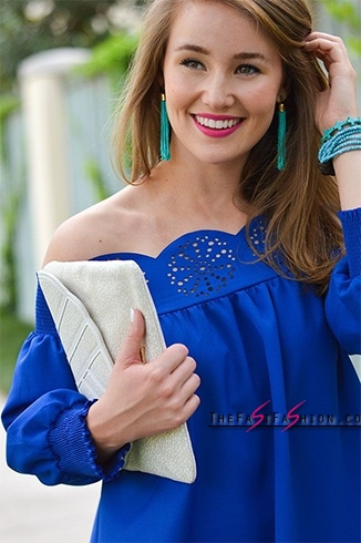 best-accessories-for-royal-blue-dress