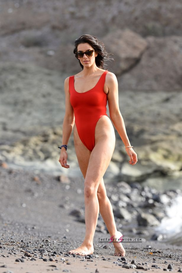 PAY-Excl-Jessica-Cunningham-Baywatch (1)