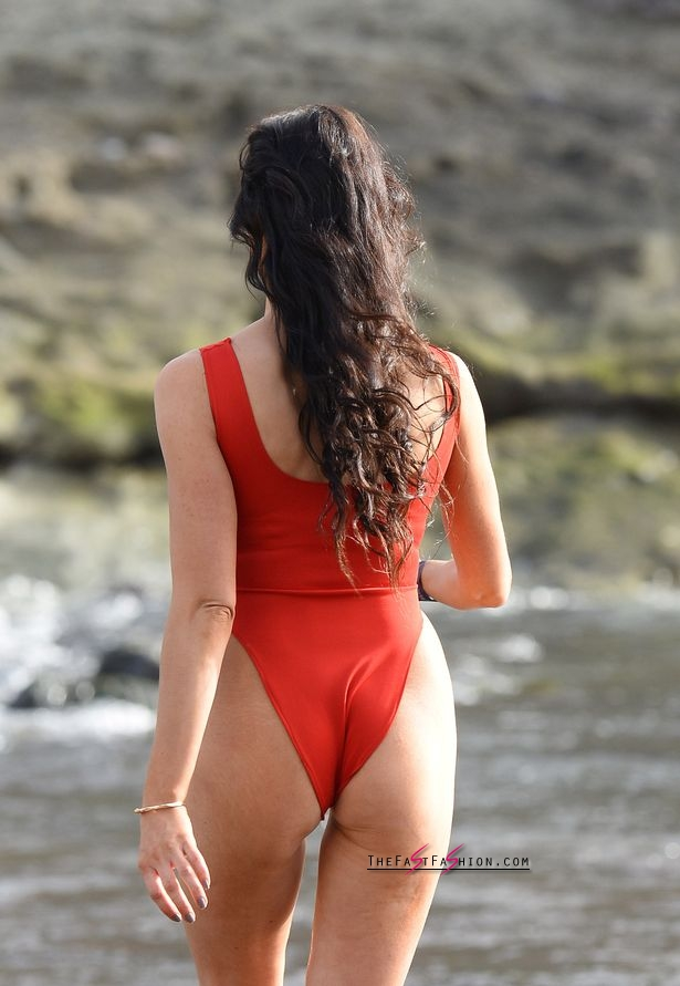 PAY-Excl-Jessica-Cunningham-Baywatch (14)