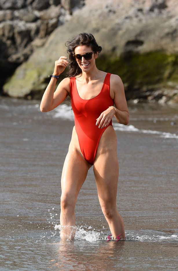 PAY-Excl-Jessica-Cunningham-Baywatch (7)