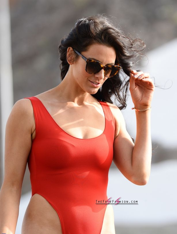 PAY-Excl-Jessica-Cunningham-Baywatch