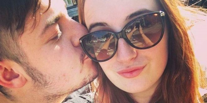 Girl accepted random Facebook friend request from stranger – now they're in love