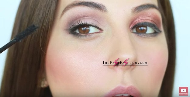 Makeup for downturned eyes