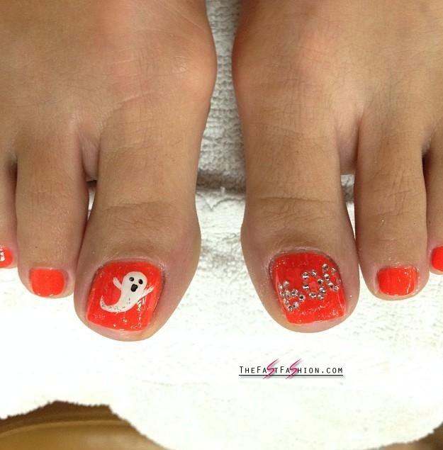 10 Awesome Halloween Toe Nail Art Designs For Horror ...