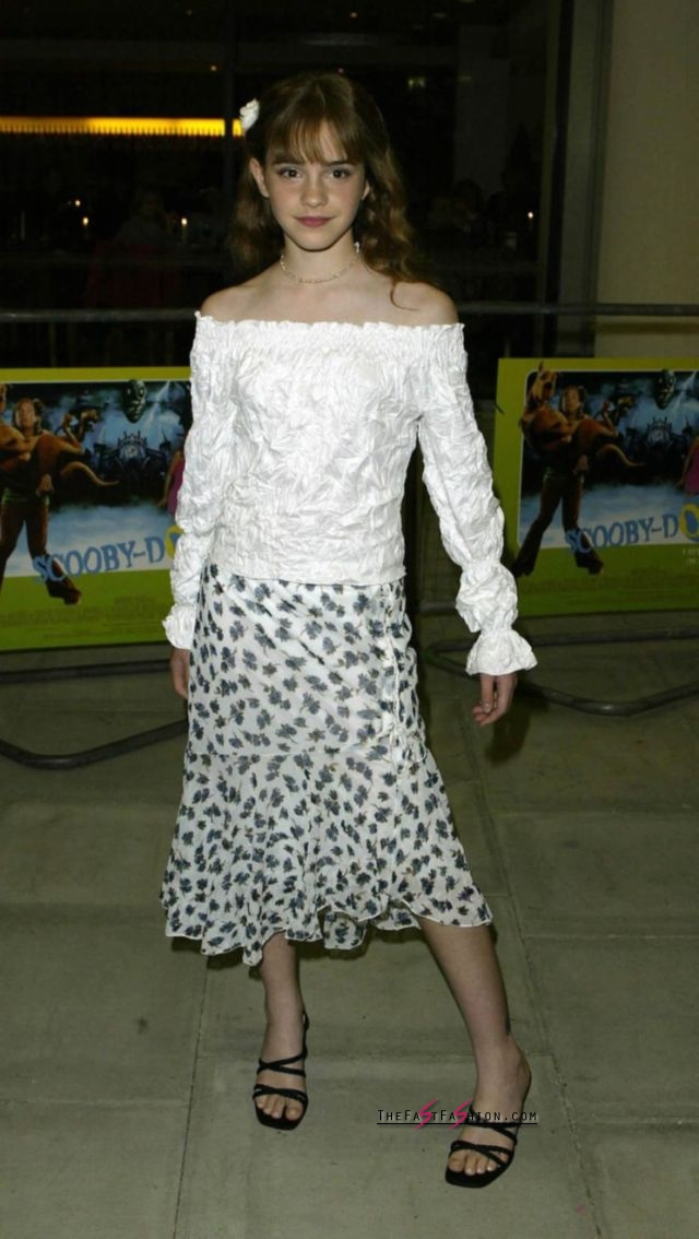 Emma Watson Is The Off The Shoulder Look S Biggest Proponent The Fast Fashion Blog