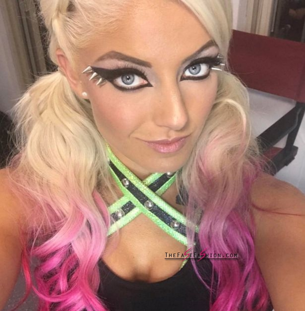 Alexa bliss denies naked images leaked online are her as paige sex tape fallout continues - Diva paige sex tape ...