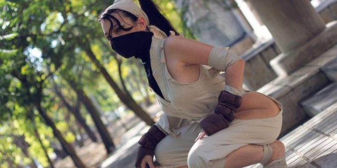 Street Fighter Cosplay: 22 Photos Of The Sexiest Women