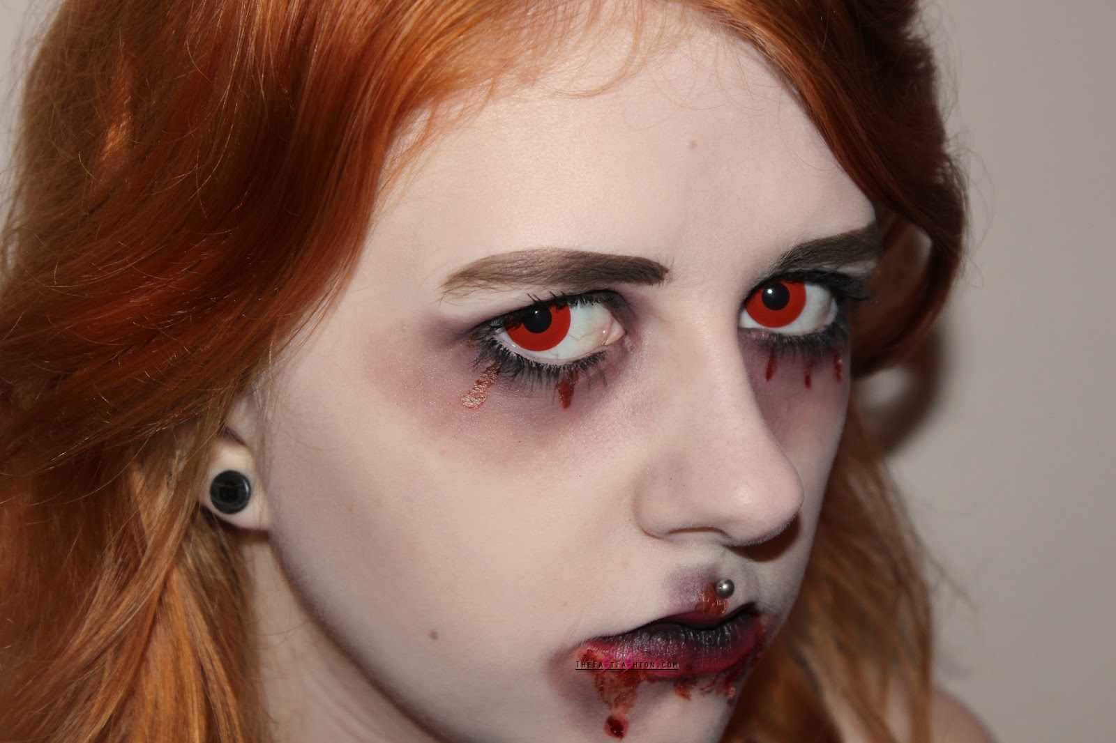 Red Contacts And Cat Eye Contact Lenses Best For Halloween