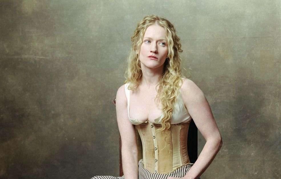 Paula Malcomson 15 Hottest Photos On The Internet