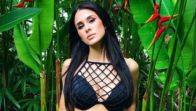 Brittany Furlan 18 Hottest Photos Of Tommy Lee S Gf On