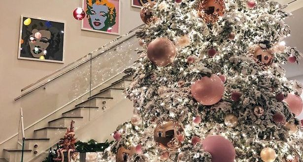 'Pregnant' Kylie Jenner shows off her incredible 20ft Christmas tree
