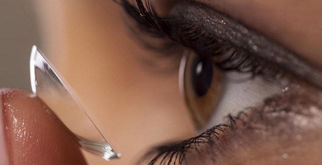 How to Apply and Remove Eye Makeup if You Wear Contact Lenses