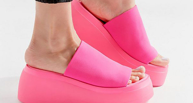 Doctors warn fashionistas to 'stay away' from platform sandals