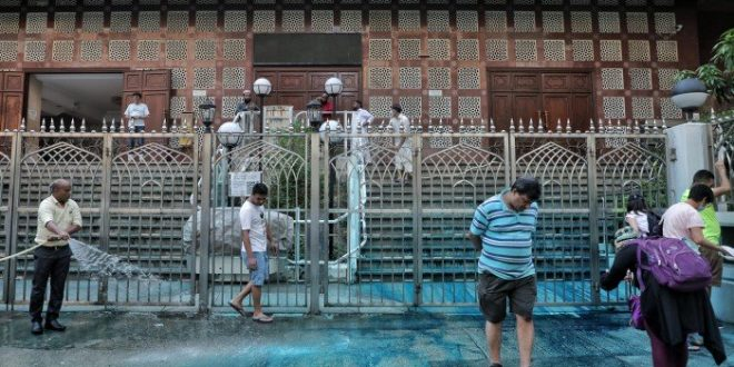 Water cannon hits mosque amid Hong Kong protests