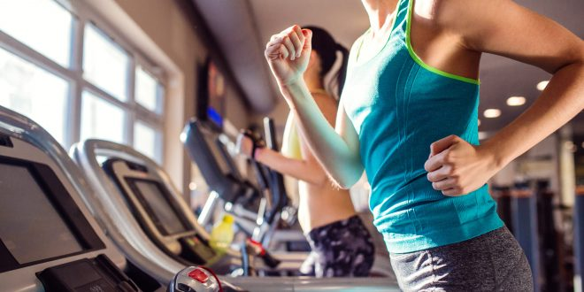Working It Out: A Guide to Men's and Women's Fitness Fashion