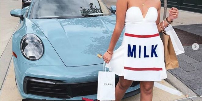 20 Punny Halloween Costumes Are Seriously Funny