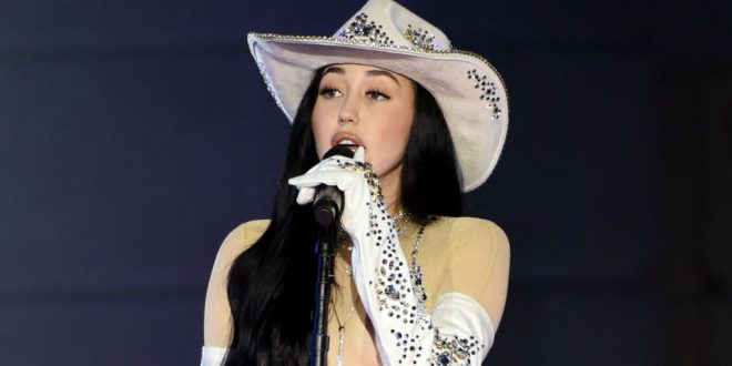 Noah Cyrus Wore a Naked Bodysuit at the CMT Awards