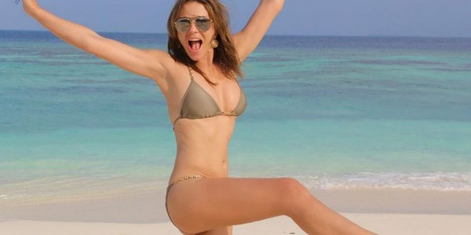 Liz Hurley stuns with bikini pic during these 'miserable times'